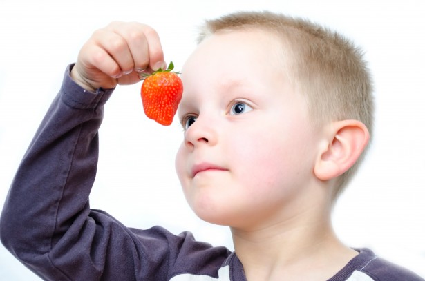 child-and-strawberries-1368025837nlw
